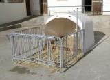 Großraumkälberhütte CalfHouse Premium 4/5 ohne Umzäunung, Tür- und Reifen-Set